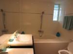 18Gt-Bathroom